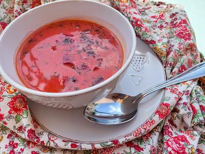 Gęsta zupa z botwinki i cukinii
