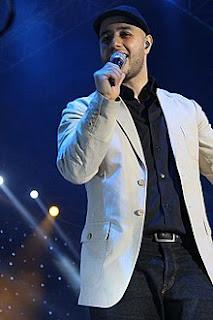 Maher Zain merupakan penyanyi religi terkenal asal Swedia kelahiran Lebanon Biografi Maher Zain | Profil, Biodata, Foto & Album Maher Zain Terbaru