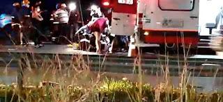 Acidente na BR-230, envolvendo carro e caminhão em frente ao Leilão, na entrada de Tibiri, em Santa Rita, deixa uma  Vítima inconsciente.