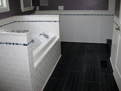 Elegant black and white tile bathroom ideas