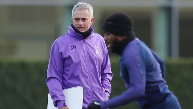 Jose Mourinho là người sống tình cảm.