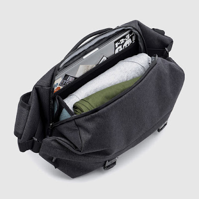 Review of the Chrome Vale Sling Bag