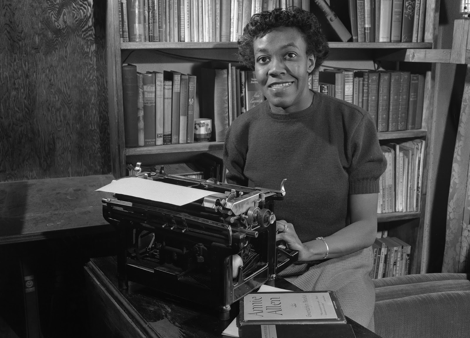 an interpretation of the chicago defender sends a man to little rock a poem by gwendolyn brooks The shape of the poem parker, solace  gwendolyn brooks: commitment and universality  the chicago defender sends a man to little rock poems for further study.