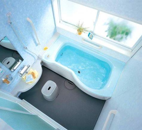 Ruimtebesparende baden voor in een kleine badkamer | Wonen 2018