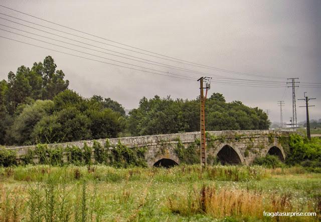 Ponte sobre o Rio Louro, na saída de Tui, Caminho de Santiago