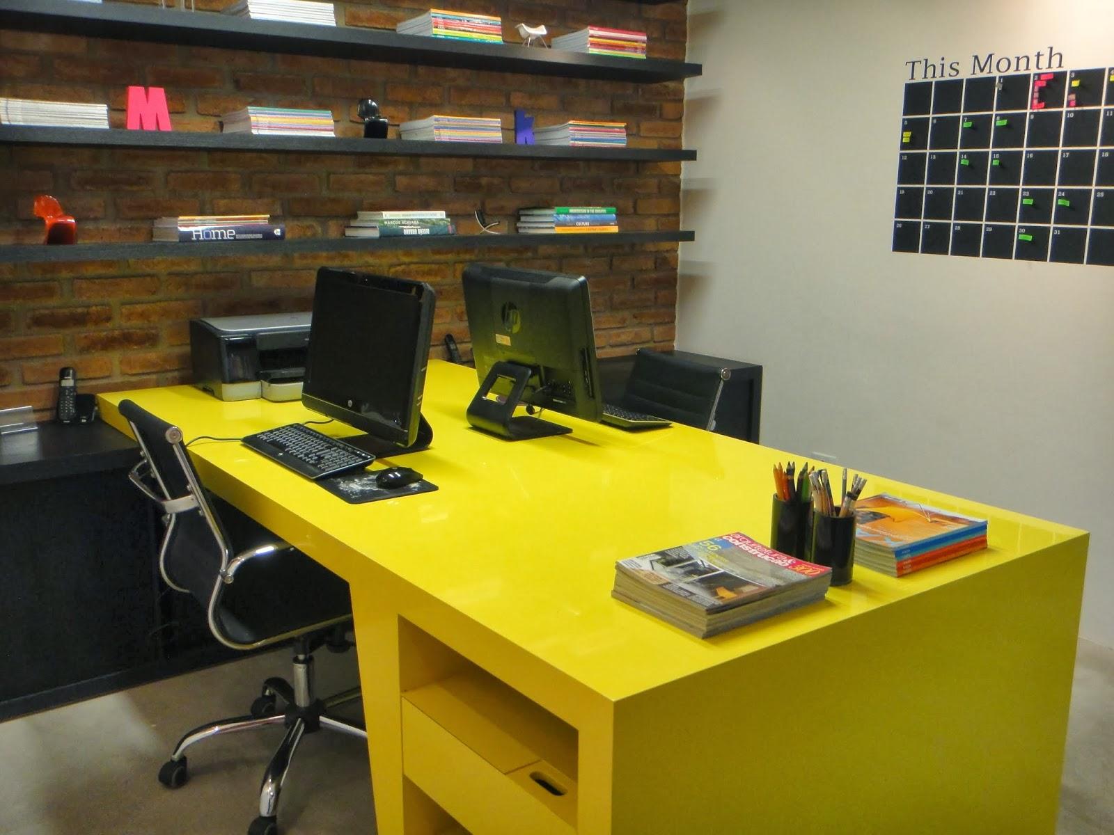 Oficinas color amarillo colores en casa for Combinacion de colores para oficinas modernas