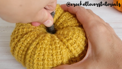 how to crochet pumpkin