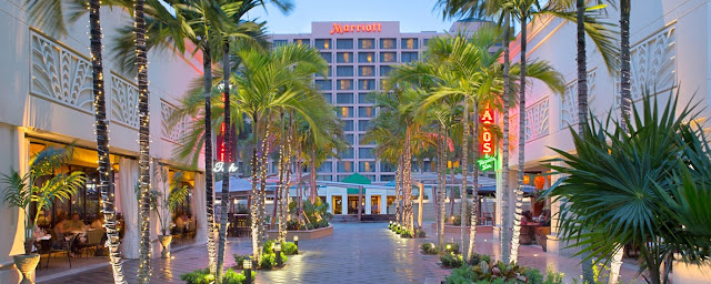 Unwind in style when you stay at Boca Raton Marriott at Boca Center. Ideally situated near the beach, Lynn University, Florida Atlantic University.