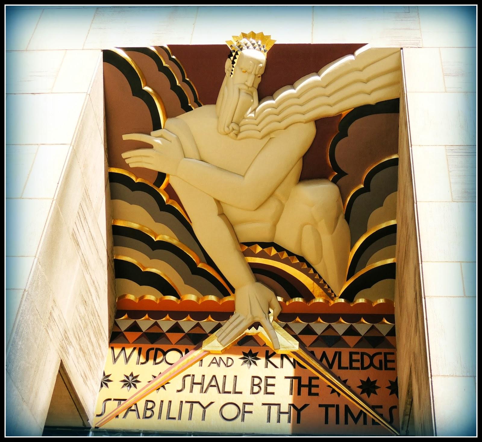 NY en 3 Días: Relieve Wisdom en el Rockefeller Center