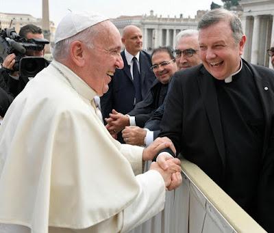 पोप फ्रांसिस और कबला के सिद्धांत का आपके दैनिक जीवन पर क्या प्रभाव है?