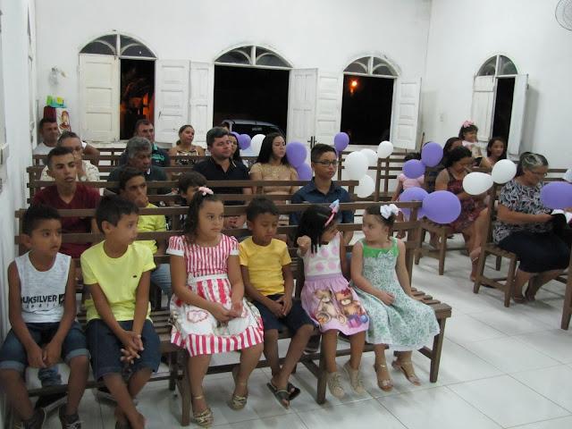 Dia da criança no sitio Timbaúba na congregação evangélica da igreja Assembleia de Deus