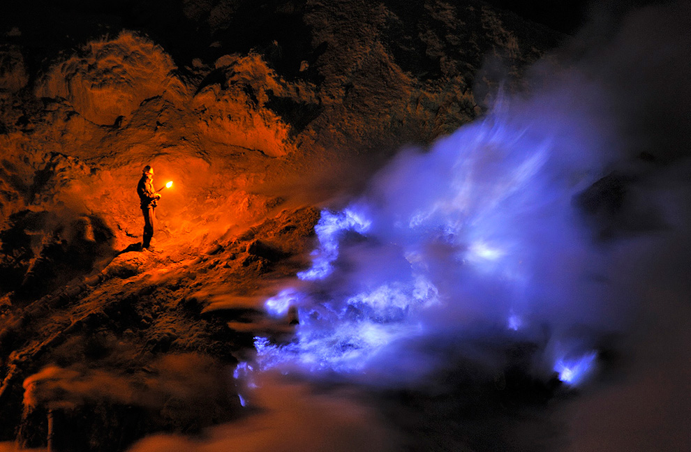 BLUE FLAME in Ijen Crater Banyuwangi Bondowoso
