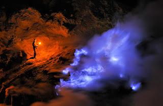 Blue Flame Ijen Crater, Banyuwangi