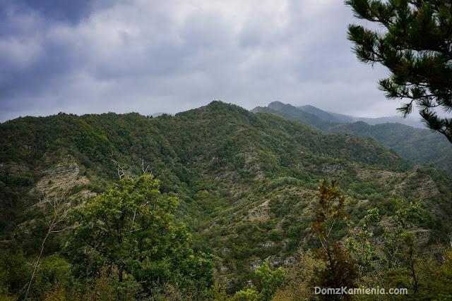 Dom z Kamienia blog trekking w Toskanii