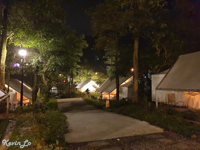 拉波波村營區夜晚時光