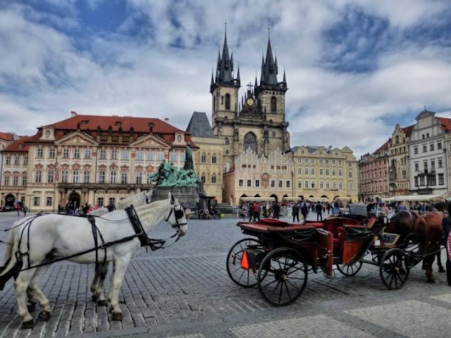 Passeio de carruagem na Cidade Velha em Praga: