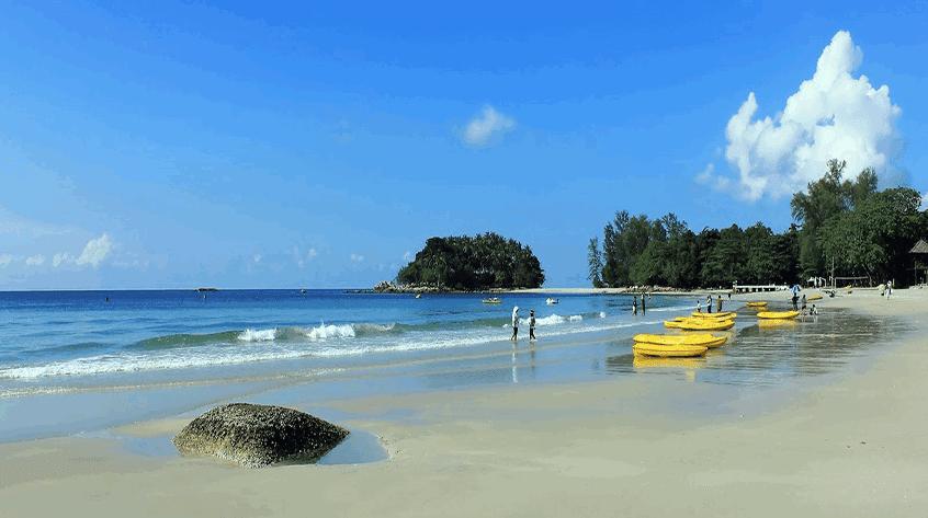 Di Bintan ada Wisata Pantai Lagoi, Eksotisme Pantai Hingga Deretan Resort Mewah