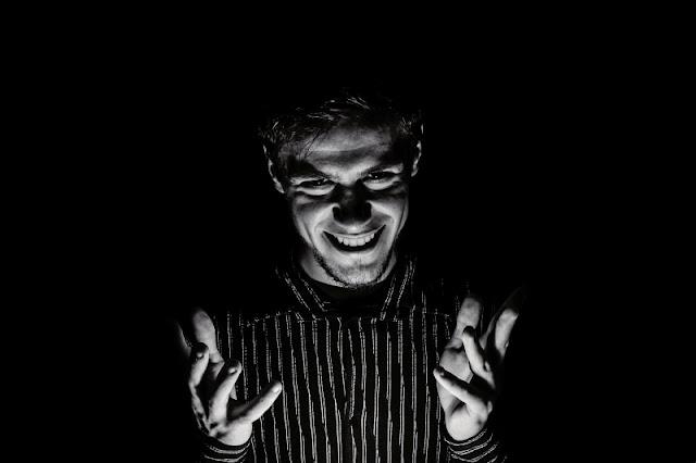 psicopatia, sociopatia, características da psicopatia, como identificar um psicopata, identificando psicopata, psicopatia causas, psicopatia sintomas