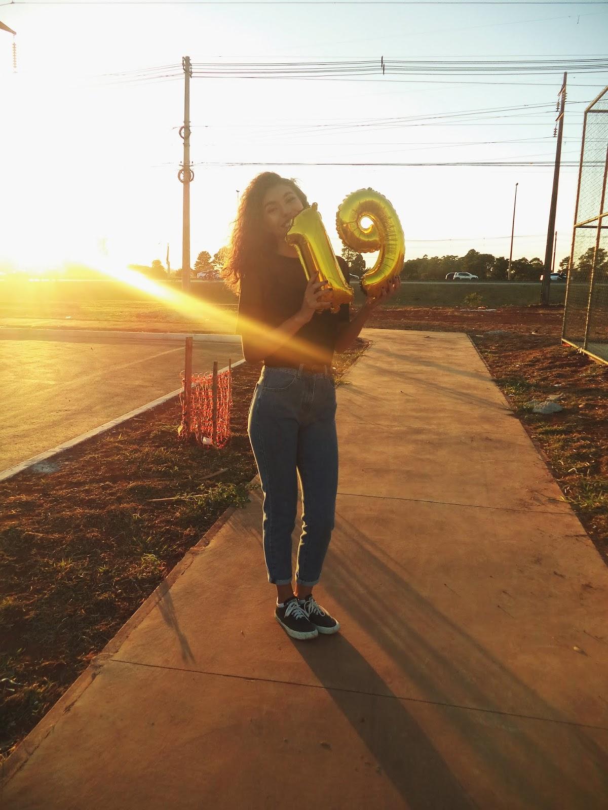 19 anos