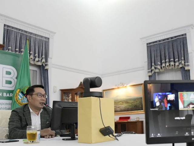 Kang Emil Sumbangkan Lukisannya dalam Konser Lelang PWI Jaya untuk Bantu Pekerja Seni