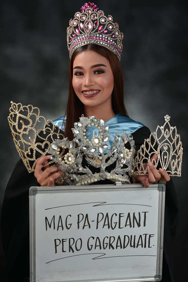 Pageant o aral? Beauty queen poses with crowns for graduation photo