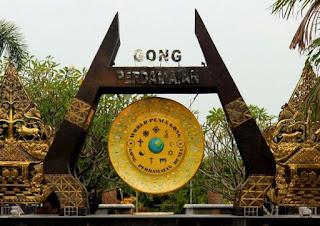 World peace Gong Blitar Jawa Timur