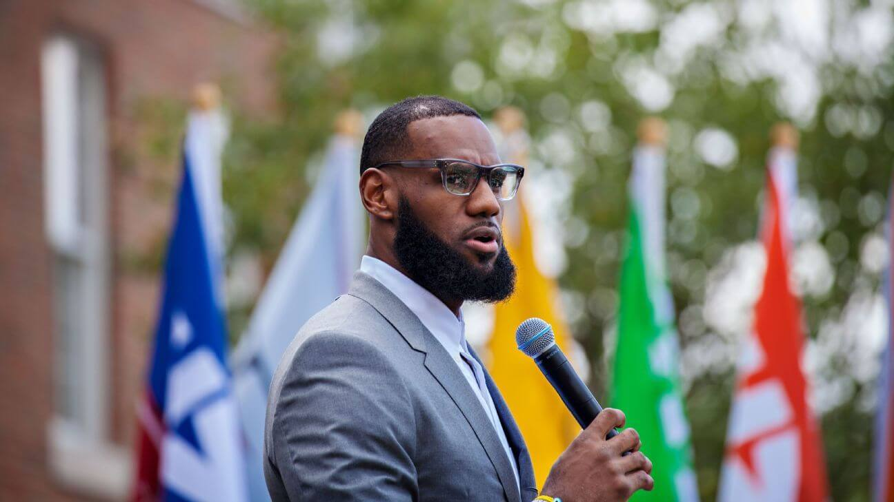NBA Players Defend LeBron James After President Trump Tweet