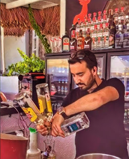 Easy to find jobs for newcomer International students in Australia : Bartender