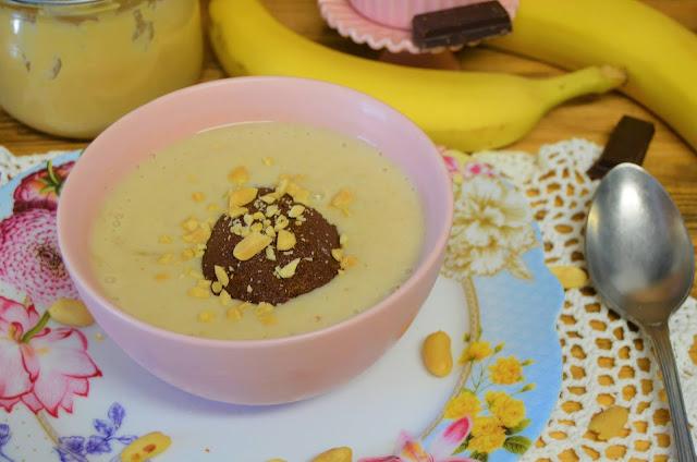 Las delicias de Mayte, helado de plátano con crema de cacahuete y chocolate, batido de plátano con crema de cacahuete y chocolate, batido de plátano, batido helado de plátano con crema de cacahuete y chocolate,