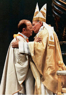 Marcial Maciel embraced by Pope John Paul II in a 1991 ceremony marking the 50th anniversary of the Legion of Christ order. Image: Photo by Maria Dipaola/MCT/Tribune News Service via Getty Images