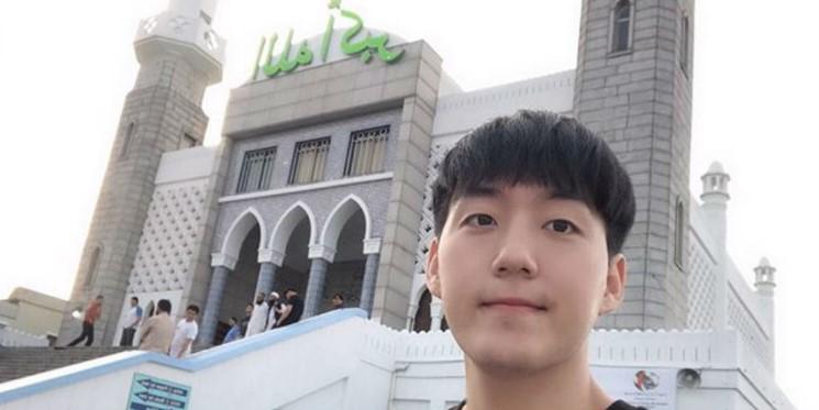 Vloger Terkenal Asal Korea Jay Kim Ucapkan Syahadat
