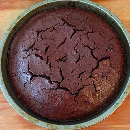 MATTYB BAKES: RAVISHING RED VELVET CAKE