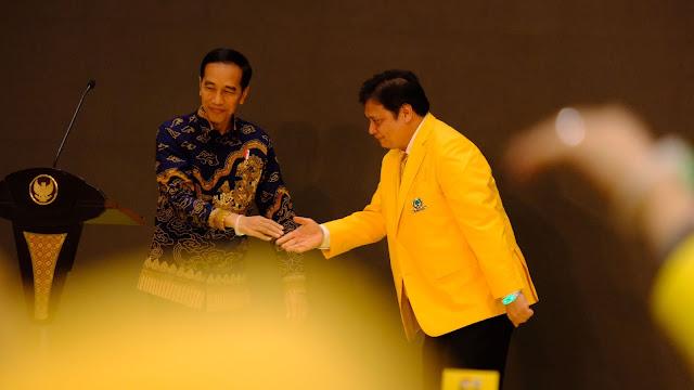 Jokowi: Airlangga Saya Sebut Top Kan Boleh