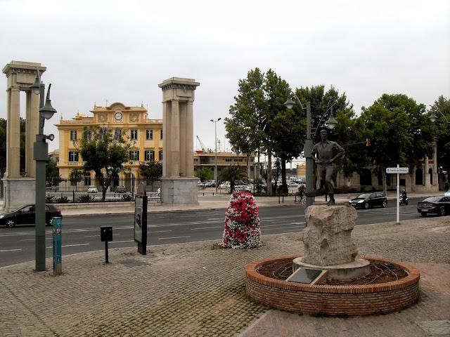 Paseando por el puerto de Málaga