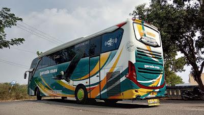 Foto Bus Garuda Mas Kebo Wareng