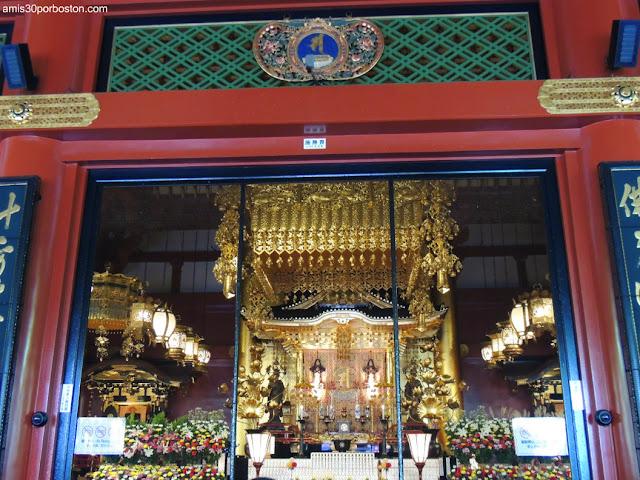 Altar del Salón Principal del Templo Sensoji