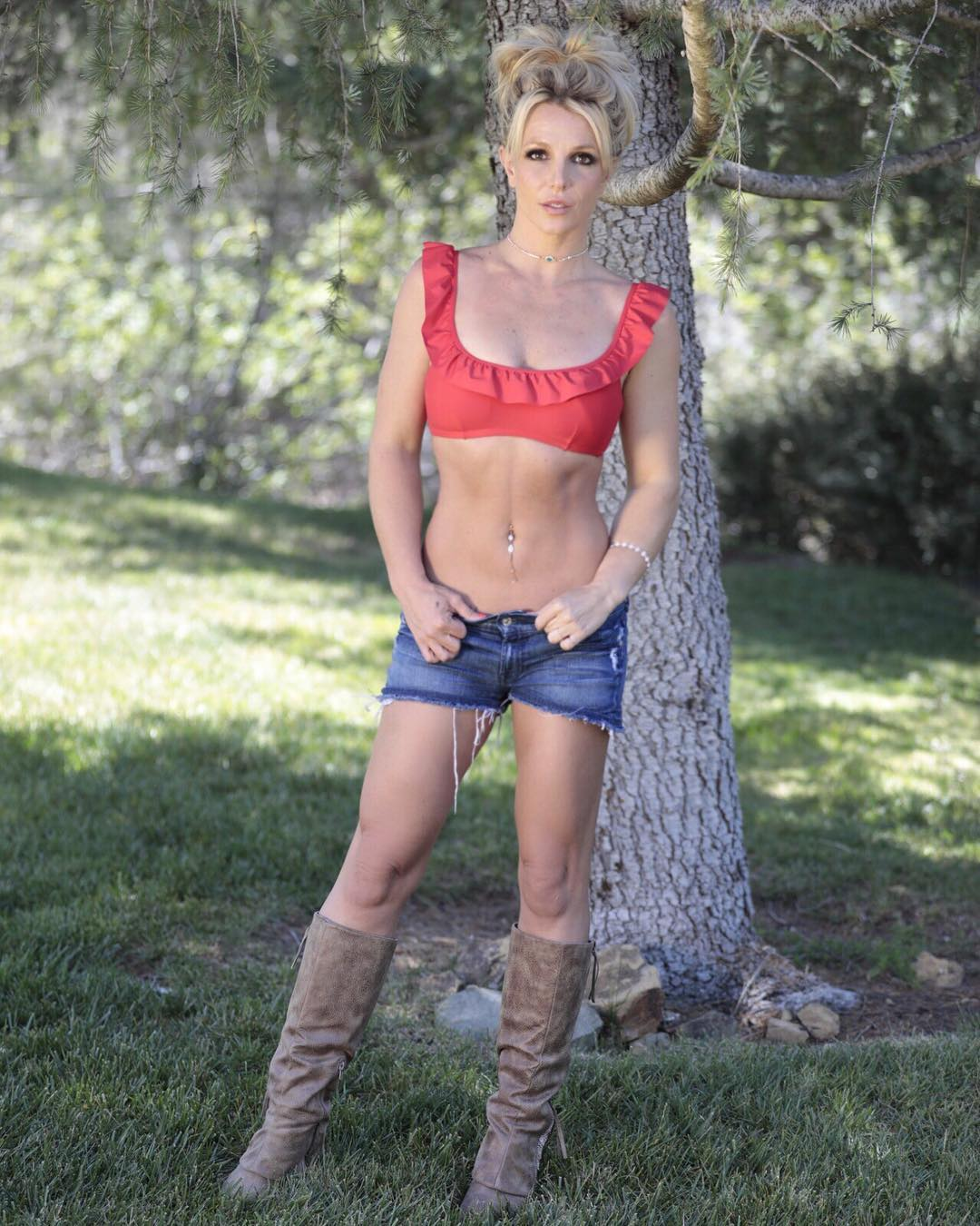 Britney Spears Hot Bikini Images