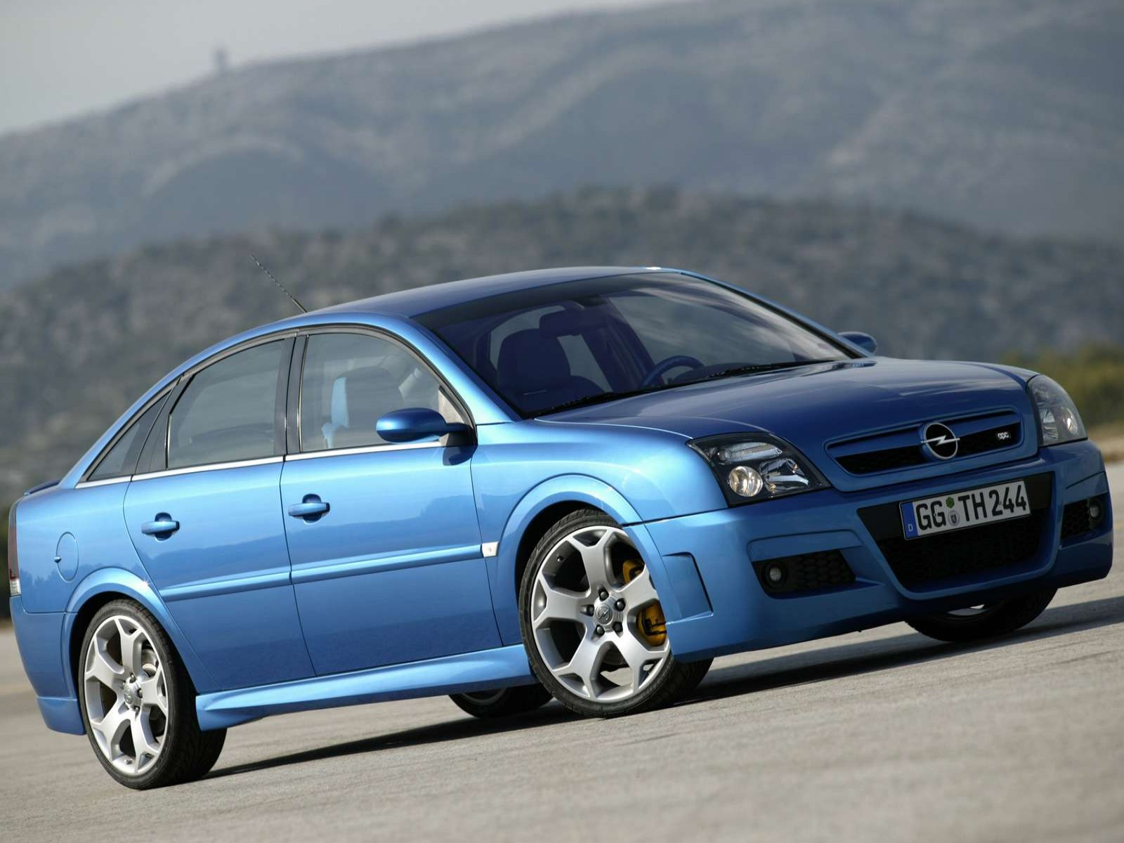 car and car zone opel vectra opc twin turbo 2005 new cars car reviews car pictures and auto. Black Bedroom Furniture Sets. Home Design Ideas