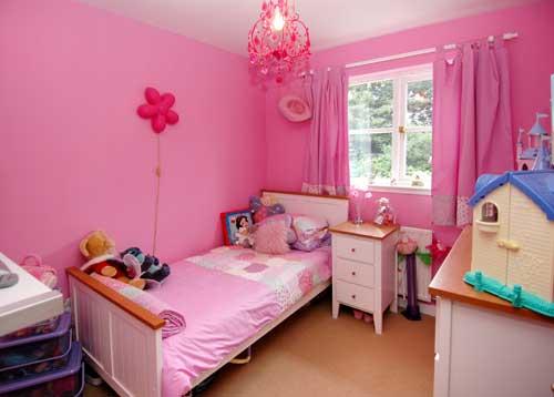 cute pink bedroom design