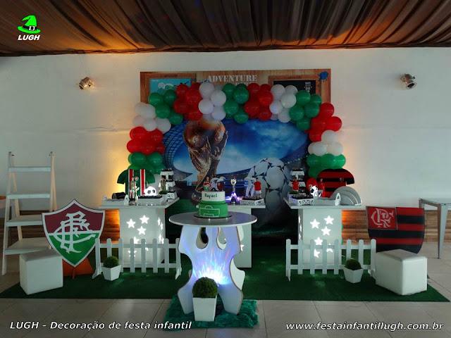 Festa infantil tema Fluminense x Flamengo em decoração provençal