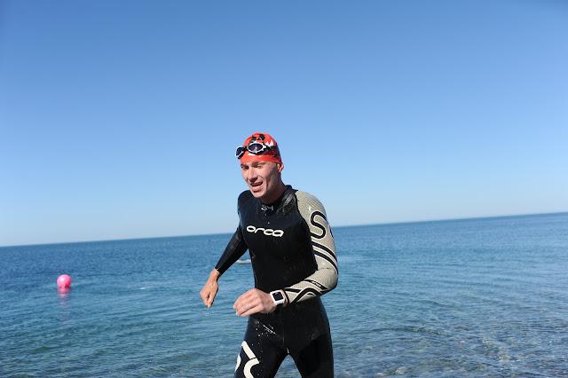 Плавание в гидрокостюме  в Черном море