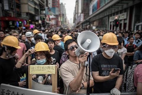 A hongkongi kormányzó kitart a tüntetők követeléseinek elutasítása mellett