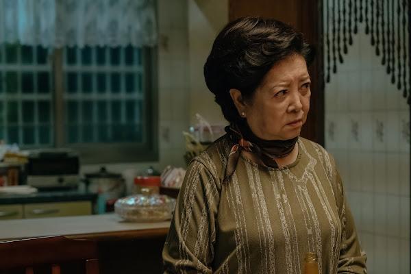 陳淑芳飾演內斂、堅毅的台灣傳統母親
