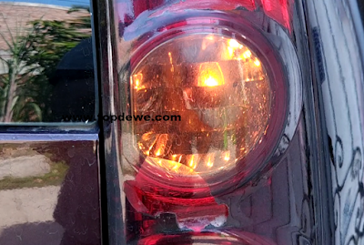 membuat lampu sein mobil kedip cepat