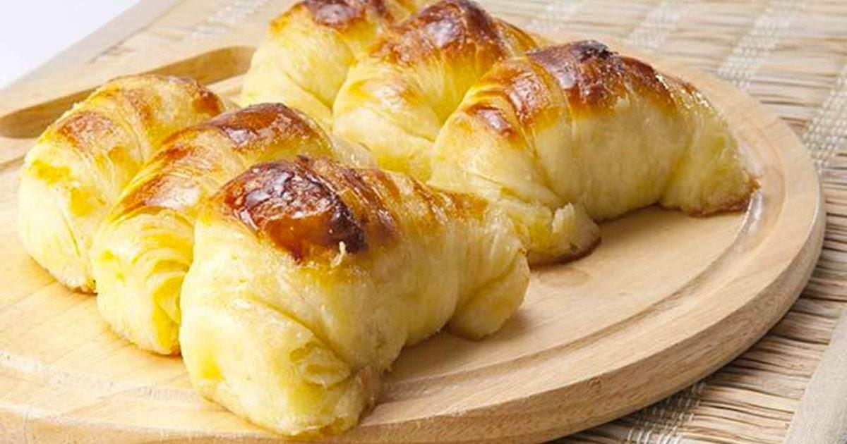 طريقة عمل الكرواسون بالجبن