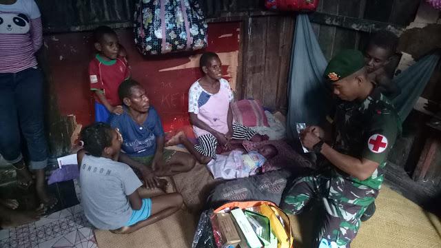 Satgas Yonif 754 Kostrad Laksanakan Pelayanan Kesehatan di Pemukiman Suku Sem Sagar Asmat