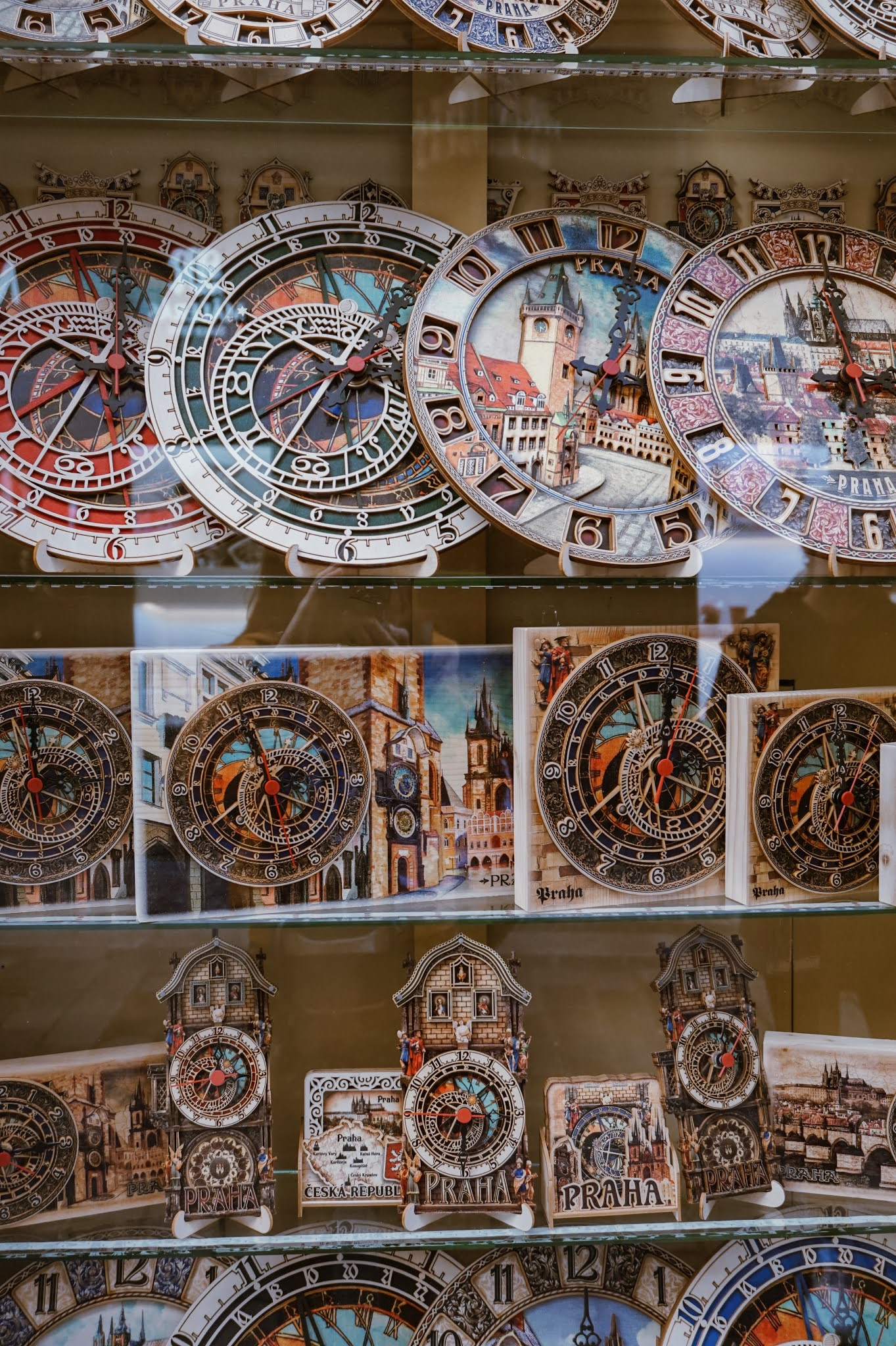 hanna-balan- pargue astronomical clock souvenir shop