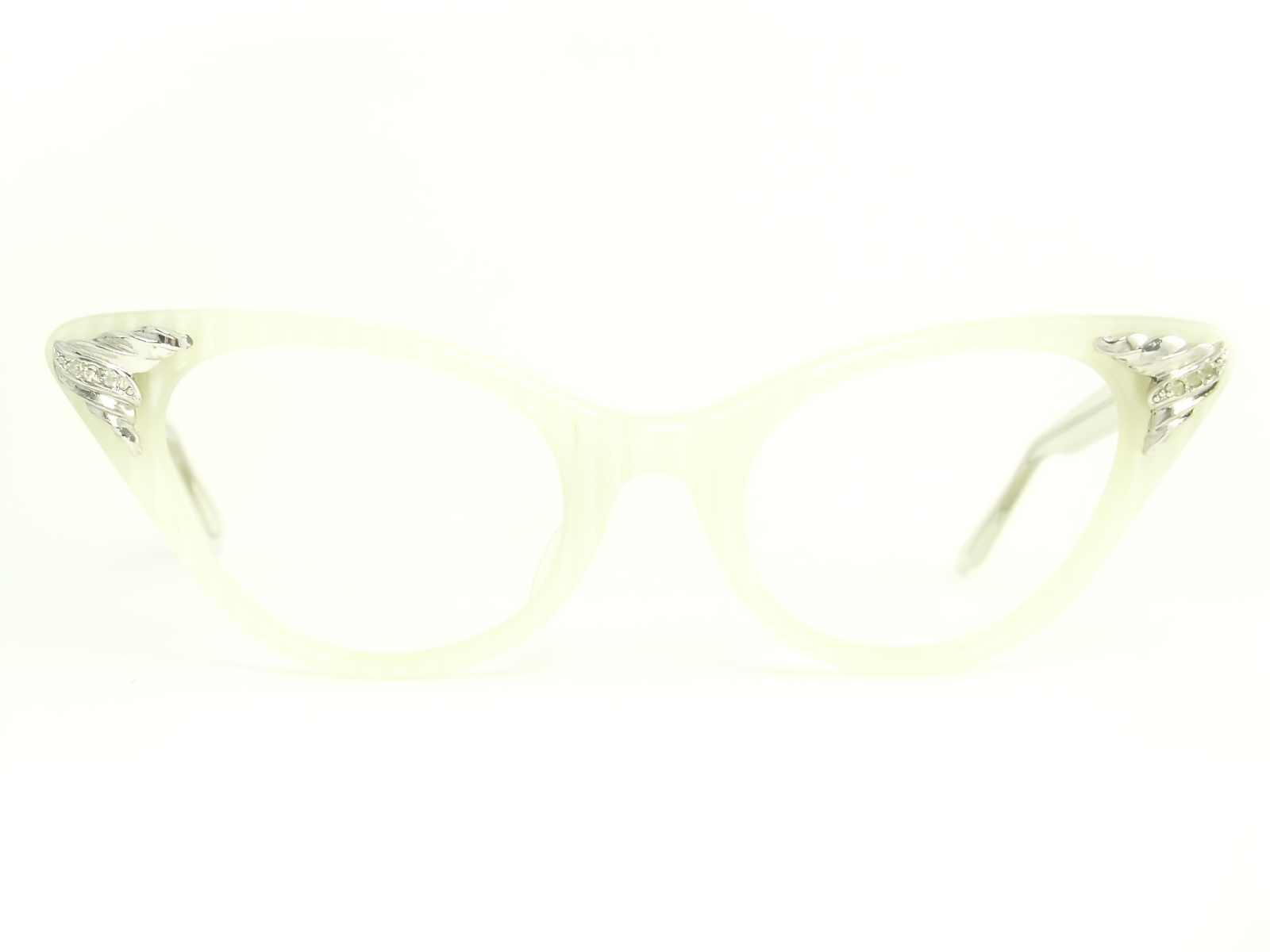 0ec51c8fc2 WHITE SELF STRIPING VINTAGE CAT EYE GLASSES. THE WINGS HAVE ATTACHED SILVER  DETAIL WITH CLEAR STONES. THE ARMS ARE PEARL WHITE. HAVE NOT BEEN USED THEY  ARE ...