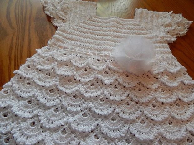 ➤   White Crochet Sundress