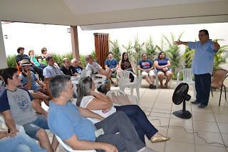 Wagner Borges palestrando para os membros da AMPUP